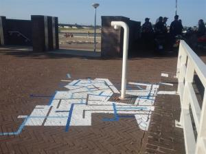 4 Tap-Art Remco Visser -rechthoeken bij Labyrinth Waalkade -sportveldje Green Capital Challenges Water-mmv Drift© MariannA Bakker